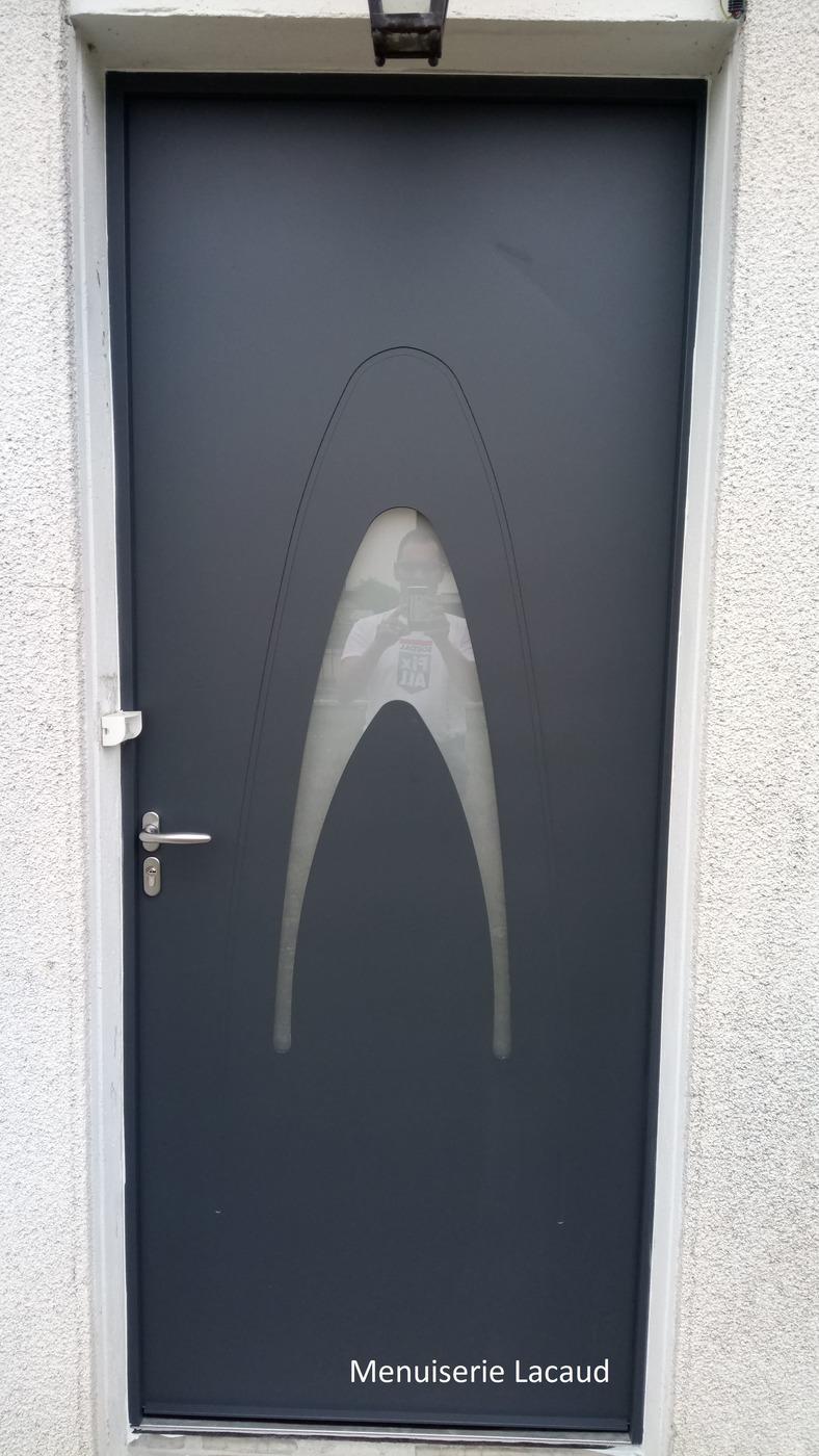 Installation de fermetures porte fen tre portail ardentes ch teauroux for Porte entree pvc gris anthracite